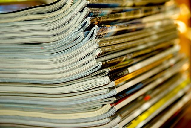 časopisy na hromadě